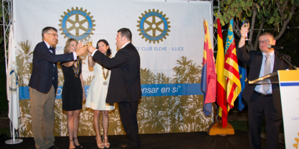 Brindis de los Presidentes Salientes y Entrantes de los dos Clubes de Elche.