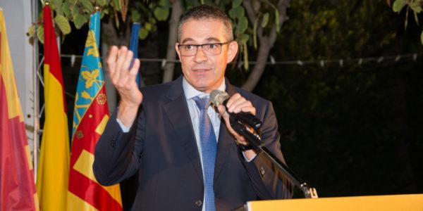 Manuel Marco Torres cierra el acto con un discurso, como delegado de Zona del Gobernador de Distrito.