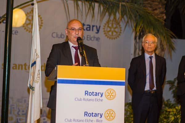 Premio trayectoria profesional francis mojica en Rotary Elche